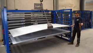 Handeling of metal sheets with crane