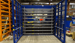 Electrical storage rack with automated drawers