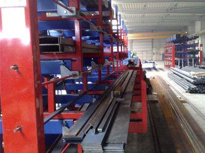 Roll out cantilever rack
